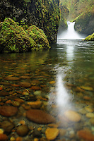 Punchbowl Falls, Eagle Creek Recreation Area, Columbia River Gorge National Scenic Area, Oregon, USA