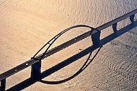 Fehmarnsund Bruecke: EUROPA, DEUTSCHLAND, SCHLESWIG- HOLSTEIN, FEHMARN(GERMANY), 09.10.2010: Fehmarnsund Bruecke. Die 963 Meter lange kombinierte Strassen- und Eisenbahnbruecke ueberquert den 1300 Meter breiten Fehmarnsund, wobei die restlichen 337 Meter durch Rampen ueberbrueckt werden. Sie hat eine lichte Hoehe von 23 Metern ueber dem Mittelwasser und bietet fuer den Schiffsverkehr einen Durchgang von 240 Metern Breite sowie eine Durchfahrtshoehe von 23 Metern ueber NN. Sie ist eine Stahlkonstruktion mit 21 Metern Breite, von denen sechs Meter von der Deutschen Bahn genutzt werden. Der zirka 268,5 Meter lange Bogen hat eine Stuetzweite von 248 Metern und ist mit 45 Metern ueber der Fahrbahn hoechster Punkt. - Aufwind-Luftbilder - Stichworte: Europa, Deutschland, Schleswig, Holstein, Ostholstein, Ostsee, Tourismus, Reise, reisen, Urlaub, Ferien, Ausflugziel, Ausflug, Ausfluege, Tourismuswirtschaft, Kueste, Ostseekueste, Meer, Wasser, Landschaft, Natur, Insel, Halbinsel, Fehmarnsund, Fehmarn, Bruecke, Fehmarnsund-Bruecke, Fehmarnsundbruecke, Architektur, Bauwerk, Verkehr, Infrastruktur, Ansicht, Uebersicht, Luftaufnahme, Luftbild, Luftansicht,  Meerenge, Vogelfluglinie, Bundesstrasse, B207, Europastrasse, E47, Verbindung, Skandinavien, Gegenlicht,   ..c o p y r i g h t : A U F W I N D - L U F T B I L D E R . de.G e r t r u d - B a e u m e r - S t i e g 1 0 2, 2 1 0 3 5 H a m b u r g , G e r m a n y P h o n e + 4 9 (0) 1 7 1 - 6 8 6 6 0 6 9 E m a i l H w e i 1 @ a o l . c o m w w w . a u f w i n d - l u f t b i l d e r . d e.K o n t o : P o s t b a n k H a m b u r g .B l z : 2 0 0 1 0 0 2 0  K o n t o : 5 8 3 6 5 7 2 0 9. V e r o e f f e n t l i c h u n g n u r m i t H o n o r a r n a c h M F M, N a m e n s n e n n u n g u n d B e l e g e x e m p l a r !.