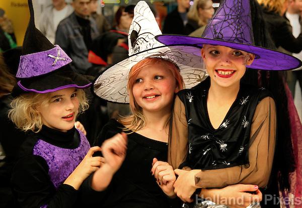 Kinderen zijn verkleed voor Halloween