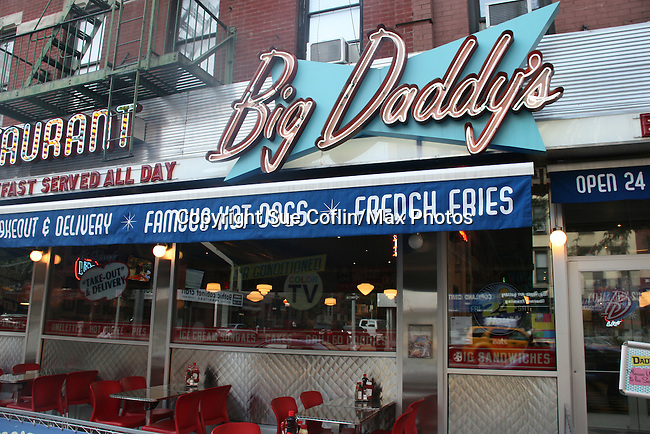 One Life To Live's Kristen Alderson held her annual Fan Gathering on August 16, 2009 at Big Daddy's Diner, New York City, New York.  Great time. (Photo by Sue Coflin/Max Photos)