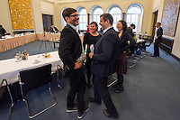 Koalitionsverhandlung zwischen SPD, Gruenen und Linkspartei zur Bildung einer Koalitionsregierung in Berlin.<br /> Am Montag den 10. Oktober 2016 setzte die Berliner SPD mit den Vertretern der Gruenen und der Linkspartei die Verhandlungen fuer eine Rot-Rot-Gruene Koalition in Berlin fort.<br /> Im Bild vorne: Dirk Behrendt (Gruene) und Raed Saleh (SPD); hinten Antje Kapek und Ramona Pop (beide Gruene).<br /> 10.10.2016, Berlin<br /> Copyright: Christian-Ditsch.de<br /> [Inhaltsveraendernde Manipulation des Fotos nur nach ausdruecklicher Genehmigung des Fotografen. Vereinbarungen ueber Abtretung von Persoenlichkeitsrechten/Model Release der abgebildeten Person/Personen liegen nicht vor. NO MODEL RELEASE! Nur fuer Redaktionelle Zwecke. Don't publish without copyright Christian-Ditsch.de, Veroeffentlichung nur mit Fotografennennung, sowie gegen Honorar, MwSt. und Beleg. Konto: I N G - D i B a, IBAN DE58500105175400192269, BIC INGDDEFFXXX, Kontakt: post@christian-ditsch.de<br /> Bei der Bearbeitung der Dateiinformationen darf die Urheberkennzeichnung in den EXIF- und  IPTC-Daten nicht entfernt werden, diese sind in digitalen Medien nach §95c UrhG rechtlich geschuetzt. Der Urhebervermerk wird gemaess §13 UrhG verlangt.]