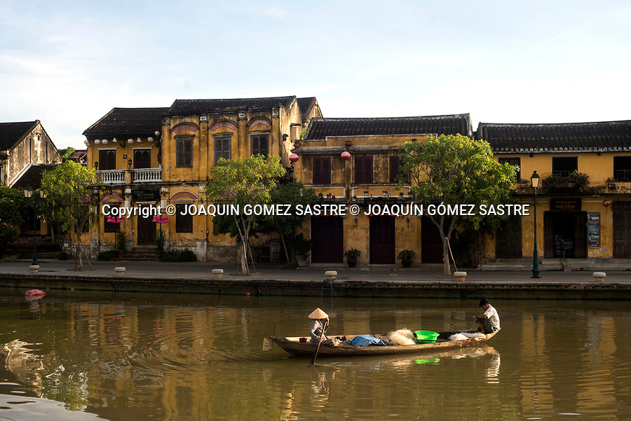 Traditional houses on the banks of the river Thu Bon in the small town of Hoian (Vietnam)<br /> HOIAN- VIETNAM