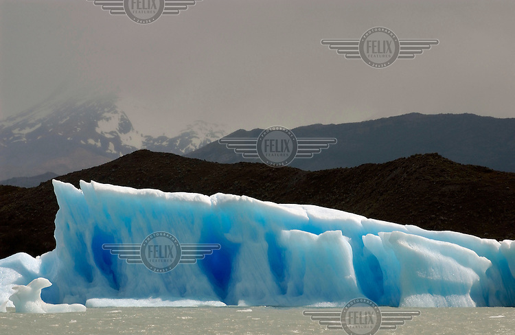 Ice floes in Lago Argentino (Lake Argentino) on the way to the vast Upsala Glacier.Photo: Dermot Tatlow/Panos Pictures/Felix Features
