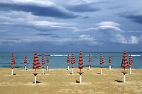 - the Pescara beach....- la spiaggia di Pescara
