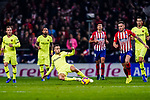Jordi Alba of FC Barcelona (L) in action during the La Liga 2018-19 match between Atletico Madrid and FC Barcelona at Wanda Metropolitano on November 24 2018 in Madrid, Spain. Photo by Diego Souto / Power Sport Images
