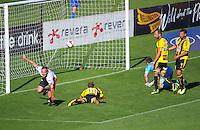131214 A-League Football - Phoenix v Roar