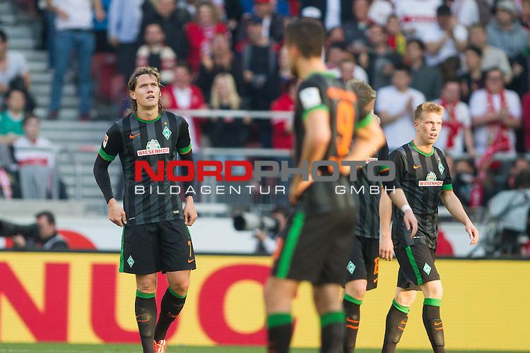 12.04.2015, Mercedes Benz Arena, Stuttgart, GER, 1.FBL,  VFB Stuttgart vs. SV Werder Bremen, im Bild entt&auml;uscht nach dem Tor zum 2-1<br /> <br /> entt&auml;uscht / enttaeuscht / traurig <br /> Jannik Vestergaard  (Bremen #7)<br /> Franco Di Santo (Bremen #9)<br /> Felix Kroos (Bremen #18)<br /> Janek Sternberg (Bremen #37)<br />  Foto &copy; nordphoto / Straubmeier