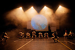 CERCLE EGAL DEMI-CERCLE AU CARRE<br /> <br /> Chorégraphie Chantal Loïal<br /> Assistante chorégraphique Delphine Bachacou<br /> Collaboration artistique Sabine Novel, Igo Drané, Nita Alphonso<br /> Danseuses et danseurs interprètes Stéphanie Jardin, Sandra Sainte-Rose, Chantal Loïal, Delphine Bachacou, Régis Tsoumbou Bakana, Léo Lorenzo, Diego Dolciami, Mario Pounde <br /> Doublures Stéphane Mackowiack, Ludivine Mirre<br /> Musiciens interprètes Gaëlle Amour, Elise Kali, Yann Villageois <br /> Doublures  Marion Buisset, Damien Groleau<br /> Composition musicale Damien Groleau, Didier Léglise et Gaëlle Amour<br /> Scénographie Olivier Defrocourt<br /> Création costume Marine Provent assistée de Gwendolyn Boudon<br /> Création vidéo Yutaka Takei, Christian Foret<br /> Création lumières Paul Argis<br /> Production Compagnie Difé Kako<br /> Lieu : MAC<br /> Ville Créteil<br /> Date : 18/10/2019