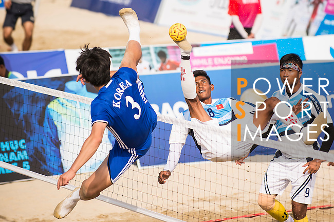 Vietnam vs Korea during their Beach Sepaktakraw Men's team competition on Day Nine of the 5th Asian Beach Games 2016 at My Khe Beach on 02 October 2016, in Danang, Vietnam. Photo by Marcio Machado / Power Sport Images