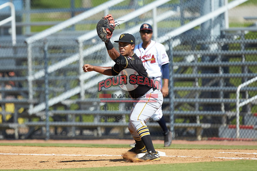 Bristol Pirates first baseman Mikell Granberry (7) fields a throw during the game against the Danville Braves at American Legion Post 325 Field on July 1, 2018 in Danville, Virginia. The Braves defeated the Pirates 3-2 in 10 innings. (Brian Westerholt/Four Seam Images)