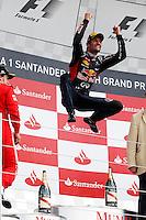 SILVERSTON INGLATERRA, 08 JULHO 2012 - FORMULA 1 - GP DE SILVERSTONE -  O piloto australiano Mark Webber da equipe Red Bull comemora vitoria  no Grande Premio de Silverstone em Silverstone na Inglaterra neste domingo, 08. (FOTO: PIXATHLON / BRAZIL PHOTO PRESS).