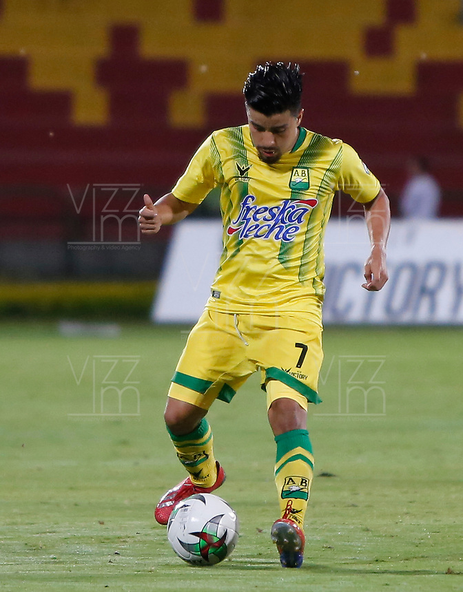 BUCARAMANGA - COLOMBIA, 22-04-2019: Sherman Cardenas de Bucaramanga en acción durante partido por la fecha 17 de la Liga Águila I 2019 entre Atlético Bucaramanga y Atlético Huila jugado en el estadio Alfonso López de la ciudad de Bucaramanga. / Sherman Cardenas of Bucaramanga in action during match for the date 17 of the Liga Aguila I 2019 between Atletico Bucaramanga and Atletico Huila played at the Alfonso Lopez stadium of Bucaramanga city. Photo: VizzorImage / Oscar Martinez / Cont