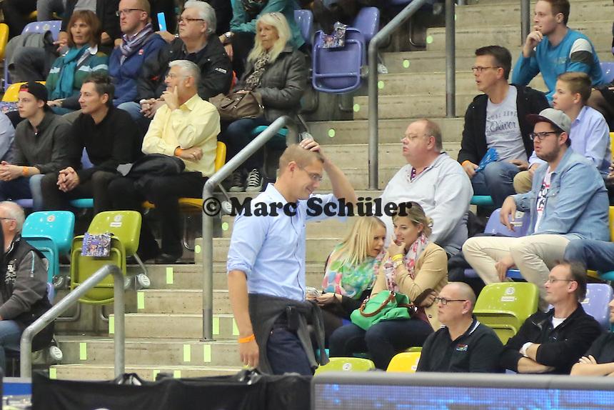 Manager Gunnar Woebke (Skyliners) kann die Vorkommnisse nicht fassen - Fraport Skyliners vs. Telekom Baskets Bonn, Fraport Arena Frankfurt
