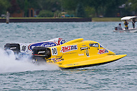 8-10 August 2008  Algonac, MI USA.Terry Rinker (#10) and Tim Seebold race for position..©F.Peirce Williams 2008