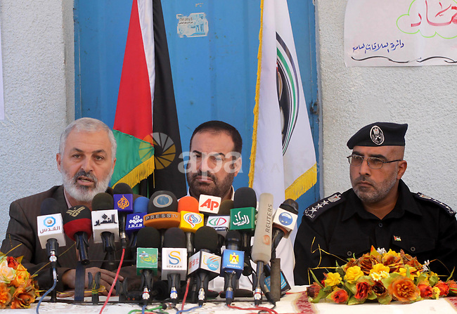 Palestinian Interior minister, Fathi Hamad attends press conference at a Hamas controlled prison in Gaza City on August 11, 2010 following a Hamas' decision to free prisoners for the occasion of the Muslim holy month of Ramadan. Photo by Mohammed Asad