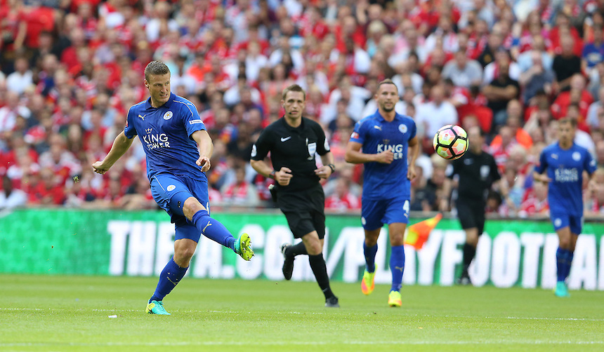 Leicester City's Robert Huth<br /> <br /> Photographer Stephen White/CameraSport<br /> <br /> Football - The FA Community Shield - Leicester City v Manchester United - Sunday 7 August 2016 - Wembley Stadium - London<br /> <br /> World Copyright &copy; 2016 CameraSport. All rights reserved. 43 Linden Ave. Countesthorpe. Leicester. England. LE8 5PG - Tel: +44 (0) 116 277 4147 - admin@camerasport.com - www.camerasport.com