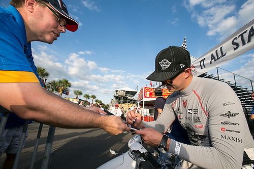 11-13 March, 2016, St Petersburg, Florida USA<br /> 15 Graham Rahal signs autograph for fan<br /> ©2016, Sam Cobb<br /> LAT Photo USA