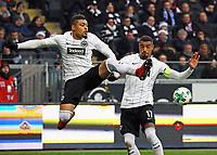 Simon Falette (Eintracht Frankfurt) und Kevin-Prince Boateng (Eintracht Frankfurt) klaeren mit vereinten Kraeften - 16.12.2017: Eintracht Frankfurt vs. FC Schalke 04, Commerzbank Arena, 17. Spieltag Bundesliga