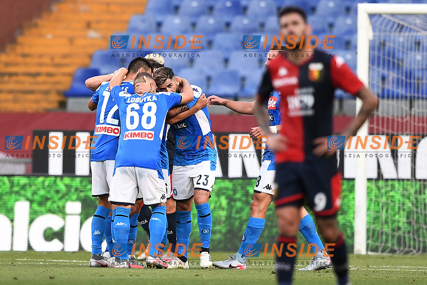 Dries Mertens of SSC Napoli celebrates with team mates after scoring the goal of 0-1 during the Serie A football match between Genoa CFC and SSC Napoli stadio Marassi in Genova ( Italy ), July 08th, 2020. Play resumes behind closed doors following the outbreak of the coronavirus disease. <br /> Photo Matteo Gribaudi / Image / Insidefoto