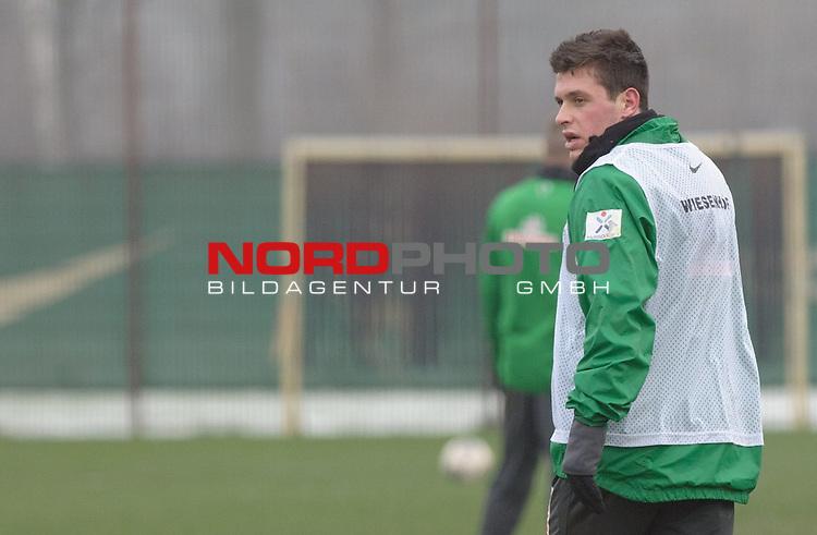 25.01.2014, Trainingsgelaende, Bremen, GER, 1.FBL, Training Werder Bremen, im Bild Zlatko Junuzovic (Bremen #16)<br /> <br /> Foto &copy; nordphoto / Frisch
