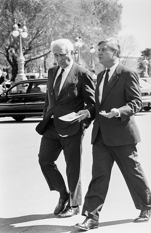 Sen. Frank Lautenberg, D-N.J. and Sen. Bob Graham, D-Fl. during Heinz tribute, leaving the bus on April 11, 1990. (Photo by Laura Patterson/CQ Roll Call)