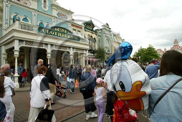 PARIS - FRANCE - 06 JUNE 2005 --Disneyland Resort Paris.-- PHOTO: ERIK LUNTANG / EUP-IMAGES..