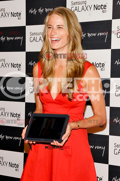 NEW YORK - AUGUST 15: Model Julie Henderson attends Samsung Galaxy Note 10.1 Launch Event at Jazz at Lincoln Center on August 15, 2012 in New York City. (Photo by MPI81/MediaPunchInc) /NortePhoto.com<br />
