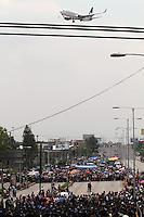 Maestro de la CNTE protestan en el AICM