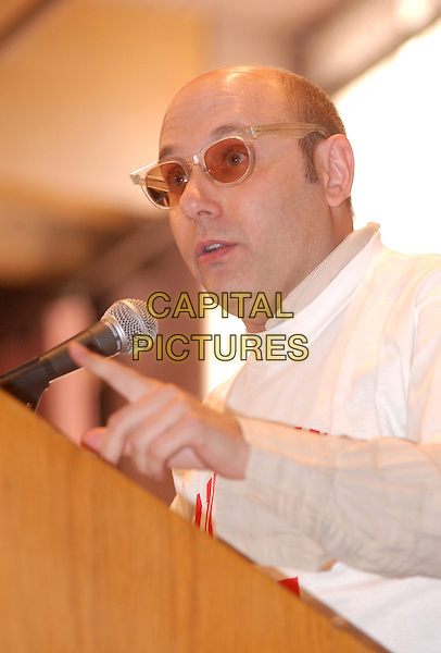 WILLIE GARSON.Bring Ohio Back Community Meeting sposored by the Center for Labor Studies at Youngstown State University. .31 October 2004.headshot, portrait, microphone, sunglasses, shades, tinted glasses.www.capitalpictures.com.sales@capitalpictures.com.©Jason Nelson/AdMedia/Capital Pictures.