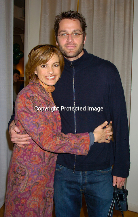"Mariska Hargitay and new fiance Peter Hermann ..at the 3rd Annual ""Children's Day Artrageous"" on April 25, 2004 benefitting Edwin Gould Services for Children and ..Families at The Metropolitan Pavilion in New York City...Photo by Robin Platzer, Twin Images"