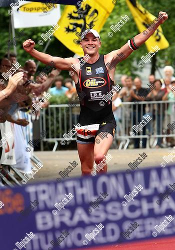 2008-06-29 / Triathlon / Triathlon Brasschaat / Dennis Devriendt won..Foto: Maarten Straetemans (SMB)