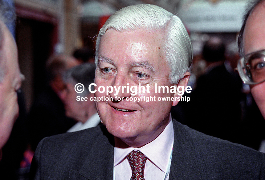 Peter Temple-Morris, MP, UK, Labour Party, defector from Conservative Party, 199810129.<br />