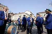 Una banda di musicisti in Piazza Liberta', ad Asti.<br /> A band of musicians in Piazza della Liberta', Asti.<br /> UPDATE IMAGES PRESS/Riccardo De Luca