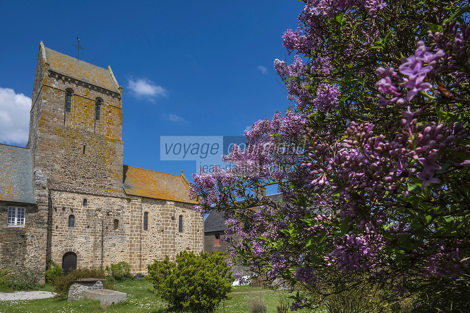 Europe/France/Normandie/Basse-Normandie/50/Baie du Mont-Saint-Michel/Vains: L'église de Vains: Ancien prieuré de Saint-Léonard // France, Manche, Vains, Saint Leonard, priory