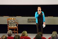 """Soirée avec Hubert Reeves autour du """"Bing-bang au vivant"""",<br /> Marie-Hélène Saller annonce l'arrivée d'Hubert Reeves"""