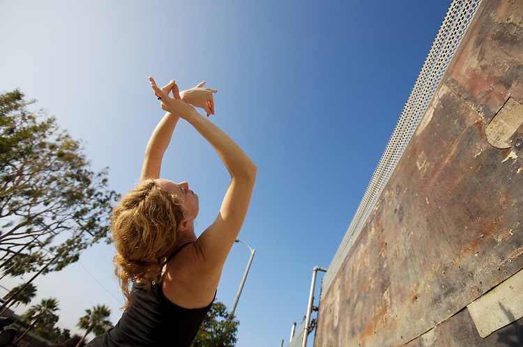 Urban yoga photo shoot for Kyra Haglund.