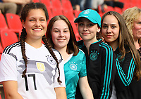 Ophelia, Melanie, Vanessa und Janina feuern die Deutsche Mannschaft an - 08.06.2018: Deutschland vs. Saudi-Arabien, Freundschaftsspiel, BayArena Leverkusen