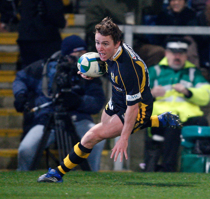 Photo: Richard Lane/Richard Lane Photography..London Wasps v Clermont Auvergne. Heineken Cup. 15/12/2007. .Wasps' Eoin Reddan runs in for a try.