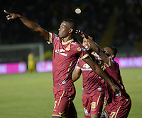 IBAGUE -COLOMBIA, 20 -08-2016.Julián Quñonez jugador del Tolima   celebra su gol contra  el Junior durante encuentro  por la fecha 9 de la Liga Aguila II 2016 disputado en el estadio Murillo Toro./ Julian Qunonez  player of Tolima celebrates his goal agaisnt of Junior  during match for the date 9 of the Aguila League II 2016 played at Murilo Toro stadium . Photo:VizzorImage / Juan Carlos Escobar  / Contribuidor