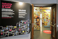 - Milano, Museo nazionale della Scienza e della Tecnica; sezione chimica<br />