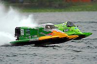Tyler Welch (#59) and Carlos Mendana (#27)     (Formula 1/F1/Champ class)