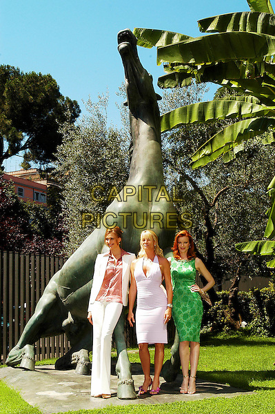 "BRENDA STRONG, NICOLLETTE SHERIDAN &  MARCIA CROSS  .""Desperate Housewives"" Cast Photocall, Rome, Itlay, .June 27th 2005..Full length white ribbed halterneck dress green patterned print gold stones white jacket trouser suit pink shirt.sculpture garden Nicolette.Ref: CAV.www.capitalpictures.com.sales@capitalpictures.com.©Luca Cavallari/Capital Pictures."