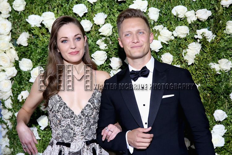 NEW YORK, NY - JUNE 11:  Laura Osnes and Nathan Johnson attend the 71st Annual Tony Awards at Radio City Music Hall on June 11, 2017 in New York City.  (Photo by Walter McBride/WireImage)