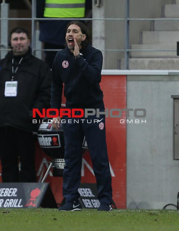 21.02.2015, Coface-Arena, Mainz, 1. Liga  2014/2015, 22. Spieltag R&uuml;ckrunde, 1. FSV Mainz 05 vs. Eintracht Frankfurt<br /> Trainer Martin Schmidt (FSV Mainz 05)<br /> Foto &copy; nordphoto /  Bratic