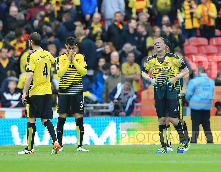 Watford's Ben Watson gets looks on dejected at the final whistle during the Emirates FA Cup, Semi-Final match at Wembley Stadium, London.  Photo credit should read: David Klein/Sportimage