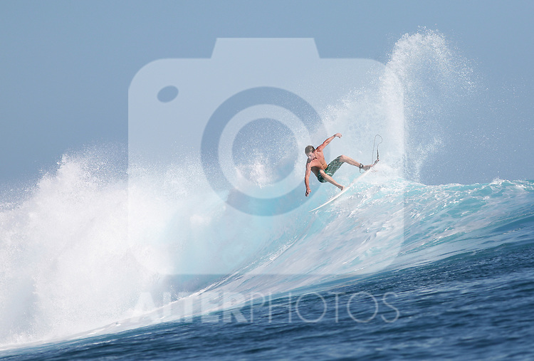 11.05.2010, Tavarua Island, Fidschi Inseln, FIJ, Tavarua Island, on Picture A surfers does a cut back on a perfect wave off of  TavaruaI Island, on the south west side of the Fijian Mamanucas Island Chain, EXPA Pictures © 2010, PhotoCredit: EXPA/ New Sport/ Scott Winer *** ATTENTION *** United States of America OUT!