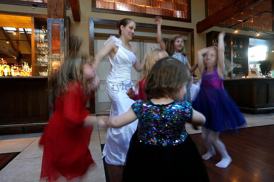 WARREN, NJ - Wedding of Gretchen Barrick and Will Gayeski on November 28, 2013, at the Stonehouse Restaurant, Warren, NJ.