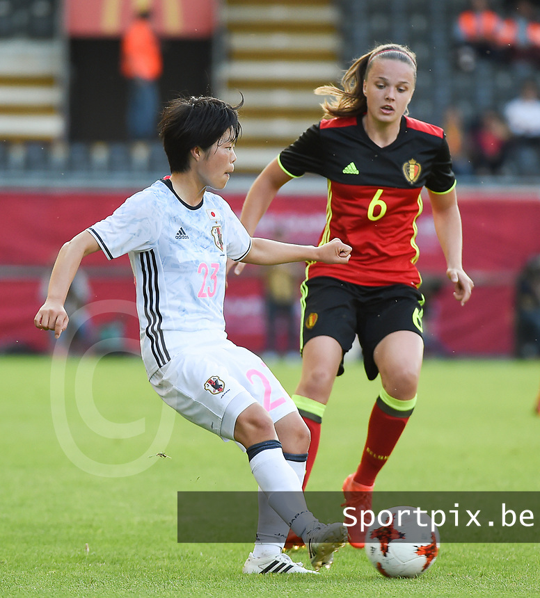 20170613 - LEUVEN ,  BELGIUM : Belgian Tine De Caigny (R) and Japanese Nana Ichise (L) pictured during the female soccer game between the Belgian Red Flames and Japan , a friendly game before the European Championship in The Netherlands 2017  , Tuesday 13 th Juin 2017 at Stadion Den Dreef  in Leuven , Belgium. PHOTO SPORTPIX.BE | DIRK VUYLSTEKE