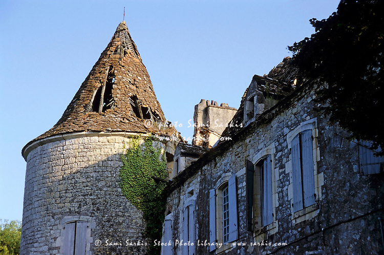 Ruins of a castle near the village of Albas, Lot, France.