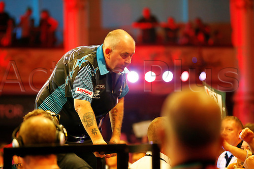 23.07.2016. Empress Ballroom, Blackpool, England. BetVictor World Matchplay Darts. Phil Taylor talks to supporters